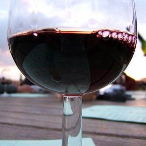 Een glas wijn is het beste medicijn (ook voor je seksleven dames!)