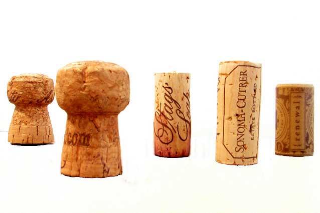 Maak een fles wijn open zonder kurkentrekker